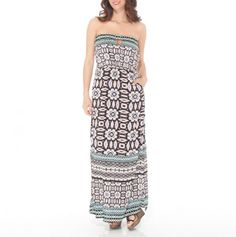 love the colors of this maxi dress, and there is a cute little key hole cutout too