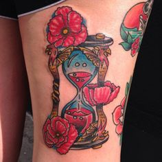 I really want a Wizard of Oz hourglass tattoo with poppies!