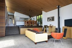 Image 4 of 29 from gallery of Winsomere Cres / Dorrington Architects & Associates. Photograph by Emma-Jane Hetherington
