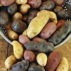 Garlic and Butter Steamed Potatoes. If you like garlic as much as I do and you are looking for an alternative to boiled or baked potatoes, give this recipe for steamed potatoes a try. They are easy to make and have quite a bit of flavor.