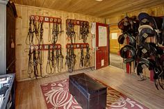 I'd be too short to reach anything, I would have to have a step stool, but nice, organized tack room.