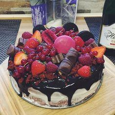 #marceelopečie  #redvelvet#cakes#dnesjem#dnespeciem#daybyme#vkuchyni#cakeporn#chocolate#fruits#love#hobby#instafood#foodporn#lovefood#foodlover#instapic#photo#vsco#vscocam#l4l