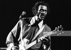 Chuck Berry performing on stage at The Rainbow Theatre London 7 September 1973 Elvis Presley, Rolling Stones, Johnny B, Missouri, Chuck Berry, Keith Richards, Classic Rock, Music Artists, Rock N Roll
