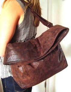 Vegan-Crossbody-Bag in Kastanienbraun, Handtasche, Boho Tasche in braun Faux Wildleder