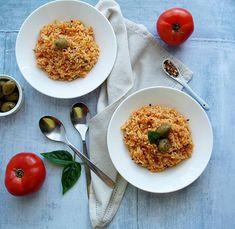 New post #ontheblotoday 🙆🙆 Tomato rice with Mediterranean flavours: oregano, garlic, parsley & summer tomatoes 🍅🍅🍅🍅🍅🍅[link in ptofil].🍅.Νέα ανάρτηση στο blog 🙆Καλοκαιρινή & νόστιμη. Ντοματόρυζο ως συνοδευτικό, αλλά και ως κυρίως.🍅🍅🍅🍅🍅🍅.#newrecipe #rice #tomatorice