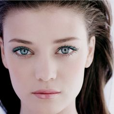 Chanel makeup-This look is stunning! I need to try this!