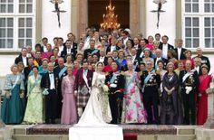 10 års ægteskab: Se de nye billeder af kronprinsfamilien | www.b.dk