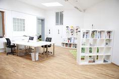 Studio design = bookcase as a room divider