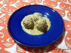 Albóndigas con salsa cremosa de albahaca (tradicional o Crock-Pot)