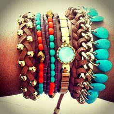 """""""Amamos a mescla dessas cores - Pulseirismo verão 2014 - Disponíveis em nossa loja virtual www.bethsouza.com.br"""""""