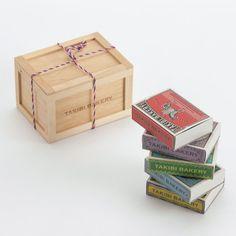 TAKIBI BAKERY 旅する紅茶の木箱入り5個セット  旅するように世界5つの地域をイメージしたマッチ箱のパッケージの中にそれぞれの地域の国をイメージした紅茶を入れた、マッチ箱紅茶の木箱入り5個セット