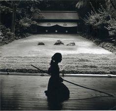 "gabuwingchun: "" Kyudo (way of the bow) is based on kyūjutsu (art of archery),which originated with the samurai class of feudal Japan. Aikido, Japanese Culture, Japanese Art, Traditional Japanese, Ronin Samurai, Art Asiatique, Kendo, Landscape Designs, Dojo"