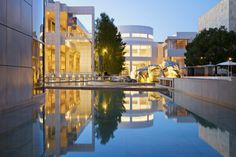 This visitor guide to the J. Paul Getty Museum includes how to get there, where to start, what to see, and visitor ratings.