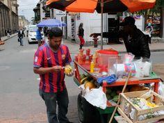Bogota - La Colombie est un verger paradisiaque. On y trouve toute sorte de fruits et dans les rues de Bogota des marchands proposent des cocktails de fruits frais dont il ne faut pas se priver.