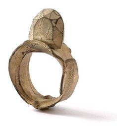 contemporary jewellery: ring by Karl Fritsh