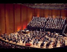 Houston Symphony & Houston Symphony Chorus - conducted by Hans Graf, Houston Symphony Music Director   Credit: Leah Polkowske with Elle Studios  #examinercom