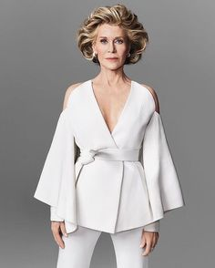 "Nino Muñoz photographs fabulous Hollywood legend Jane Fonda, currently starring in the hit Netflix comedy ""Grace and Frankie,"" for the cover of Harper's Bazaar Spain Look Fashion, High Fashion, Womens Fashion, Fashion Tips, Fashion Design, Jane Fonda, Couture Mode, Couture Fashion, White Outfits"
