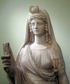Statue d'Isis-perséphone tenant un sistre (détail) | Flickr - Photo Sharing!
