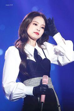 Your source of news on YG's biggest girl group, BLACKPINK! Divas, Blackpink Jennie, Blackpink Fashion, Korean Fashion, South Korean Girls, Korean Girl Groups, My Little Beauty, Blackpink Photos, Blackpink Jisoo