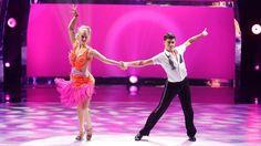 Tanisha Belnap and Nick Garcia perform a Cha Cha routine choreographed by Louie Van Amstel. See more: http://fox.tv/VIosID