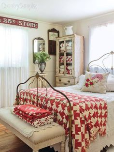 Home Decor – Bedrooms : Red/White Farmhouse /Country Bedroom -Read More – decor bedroom red Furniture - Bedrooms : Red/White Farmhouse /Country Bedroom - Decor Object Cottage Style Bedrooms, Style Cottage, Red Cottage, Shabby Chic Bedrooms, Country Bedrooms, Bedroom Red, Home Decor Bedroom, Bedroom Furniture, Master Bedroom