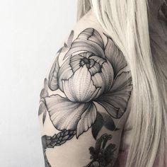 Parvick Faramarz blackwork tattoos24