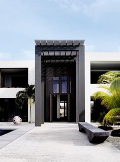 Caribbean Beach house by Piet Boon. Impressive entrance.