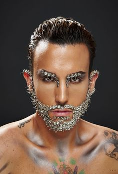Glitter Iphone 7 Plus Case Refferal: 3749504599 Male Makeup, Makeup Art, Up Halloween, Halloween Makeup, Makeup Inspo, Makeup Inspiration, Foto Face, Glitter Beards, Look Dark