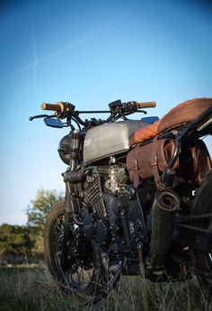 Triumph Tiger 900 – A Custom British Desert Sled Tracker Motorcycle, Motorcycle Travel, Scrambler Motorcycle, Bobber, Motorcycle Bags, Triumph Cafe Racer, Triumph Motorcycles, Vintage Motorcycles, Cafe Racers