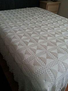 Best 12 Vintage Crochet Queen/King Bedspread off white for sale Fiveseasons Madeforyou Kimberley on fb Crochet Bedspread Pattern, Crochet Pillow, Crochet Blanket Patterns, Baby Blanket Crochet, Afghan Crochet, Crochet Tablecloth, Crochet Doilies, Thread Crochet, Filet Crochet