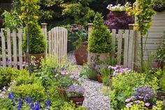 Create a warm welcome to your home and neighbourhood by making the most of your outside space.