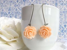 Shabby Chic Peach Roses. Romantic Nature Garden Jewellery. Nickel lead free. Bridal Wedding Floral Ear Accessories. Dangle Drop earrings
