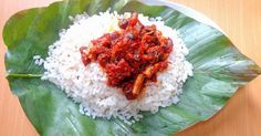 Ofada rice stew – Ayamashe sauce recipe, Dobby's Signature Ofada rice is a locally produced type of nigerian rice which comes with a unique aroma and flavor. In the East, it's known as abakiliki … Ghana Food, Sauce For Rice, Nigerian Food, Nigerian Stew, West African Food, Jollof Rice, Stewart, Food Website, Food Blogs