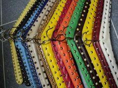 retro kleerhangers gekleurd skai jaren 60 70 design