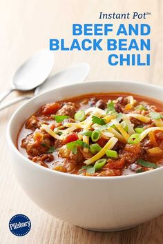 Our Instant Pot™ chili combines classic chili flavors with the magic of pressure cooking for a hands-off dinner solution that's equally fitting for hectic weeknights or lazy Sunday afternoons. Chili Recipes, Mexican Food Recipes, Crockpot Recipes, Soup Recipes, Cooking Recipes, Healthy Recipes, Cooking Bacon, Black Bean Chili, No Bean Chili
