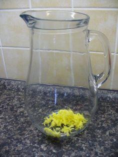 Jak připravit domácí zázvorovo-mátovou limonádu s citronem | recept Smoothies, Food And Drink, Drinks, Lemon, Syrup, Smoothie, Drink, Fruit Shakes, Beverage