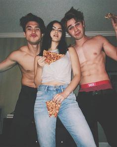 Step aside, Cole Sprouse and Lili Reinhart, there's a new Riverdale couple in town. Camila Mendes and Charles Melton, who play Veronica and Reggie on the hit Kj Apa Riverdale, Riverdale Aesthetic, Riverdale Funny, Riverdale Memes, Riverdale Tv Show, Riverdale Tumblr, Archie Comics, Image Swag, Camila Mendes Riverdale