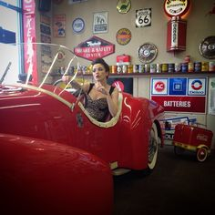 #classicCars #missmotoblot #moxieGrace #redIsSexy