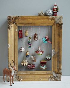 vintage Christmas Crafts Christmas is here now. Want some vintage Christmas decoration ideas and inspirations Open your home and your heart to the beauty of all things vintage. Noel Christmas, Vintage Christmas Ornaments, Winter Christmas, Christmas Displays, Vintage Christmas Decorating, Christmas Balls, Hanging Christmas Tree, Christmas Tree Baubles, Office Christmas