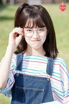 💌 ┊͙ 𝚏𝚘𝚕𝚕𝚘𝚠 𝚖𝚎 𝚏𝚘𝚛 𝚐𝚒𝚛𝚕 𝚐𝚛𝚘𝚞𝚙 𝚜𝚝𝚞𝚏𝚏 ! Cute Korean Girl, Cute Asian Girls, Korean Girl Groups, Cute Girls, Uzzlang Girl, Girl Face, Kpop Girls, Asian Beauty, At Least