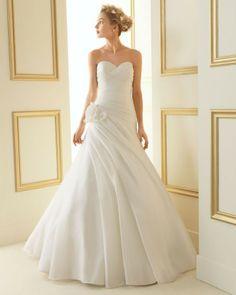 132 TENAZ / Wedding Dresses / 2013 Collection / Luna Novias