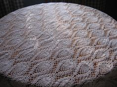 thread crochet - pineapple tablecloth Pineapple Crochet, Pineapple Pattern, Thread Crochet, Knit Crochet, Crochet Curtains, Crochet Patterns, Crochet Ideas, Quilts, Tablecloths