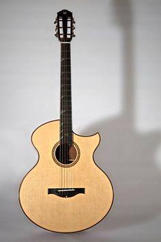 Gijs de Wit guitar 16 inch steelstring... like the fret marker inlays