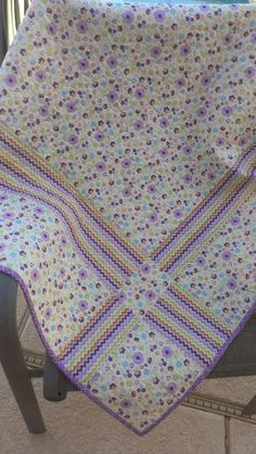 I love the way she did this quilt back!  Three Snippy Sisters : Joyces quilt