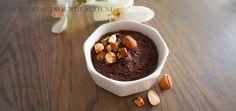 Deze gezonde suikervrije chocoladepasta maak je eenvoudig met 3 ingrediënten! De chocoladepasta is ook zuivelvrij, glutenvrij en vegan. Verantwoord lekker!