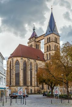 15 Best Things to Do in Esslingen (Germany) - The Crazy Tourist Architecture Old, Amazing Architecture, Beautiful Places In The World, Beautiful Homes, Interior Minimalista, Natural Interior, Good House, Best Interior Design, Cool House Designs