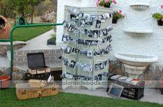 Photo Display with vintage suitcases Tendedero de fotos con biombo y maletas vintage