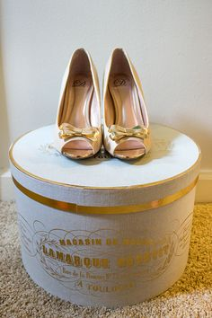Simply Jessica Marie Style | Gold Bow Heels and French Hat Box