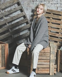 Yuehua Entertainment, Powerful Women, Kpop Girls, Girl Group, Normcore, Hipster, Punk, Female, Celebrities