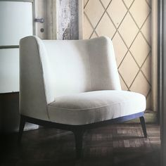 Flexform Mood, made in Italy: Dragonfly armchair, project by Roberto Lazzeroni. #piso18casa-flexform #masaryk #flexformmood #flexform #luxury #luxurylifestyle #qualitybrand #beautifullifestyle #madeinitaly #piso18casa_flexform #italiandesign #contemporarydesign #contemporaryinteriors #contemporary #modern #modernfurniture #moderndesign #moderninteriors #luxuryfurniture #interiordesign #luxeinteriors #interiorarchitecture #polanco #furniture #robertolazzeroni #armchair #flexformmexico…